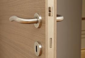 ドア錠の調整